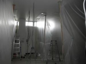 和泉市 修繕 間仕切り 施工中